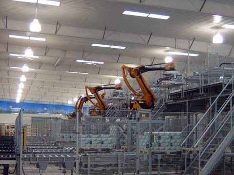 Palettieranlage mit 5 Kuka Robotern in China